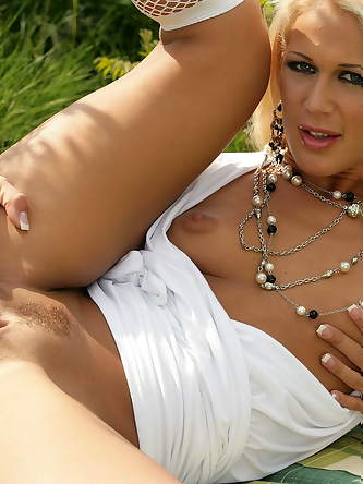 Hungarian Honeys XXX Photos