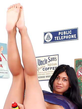 Adult Friend Finder XXX Photos